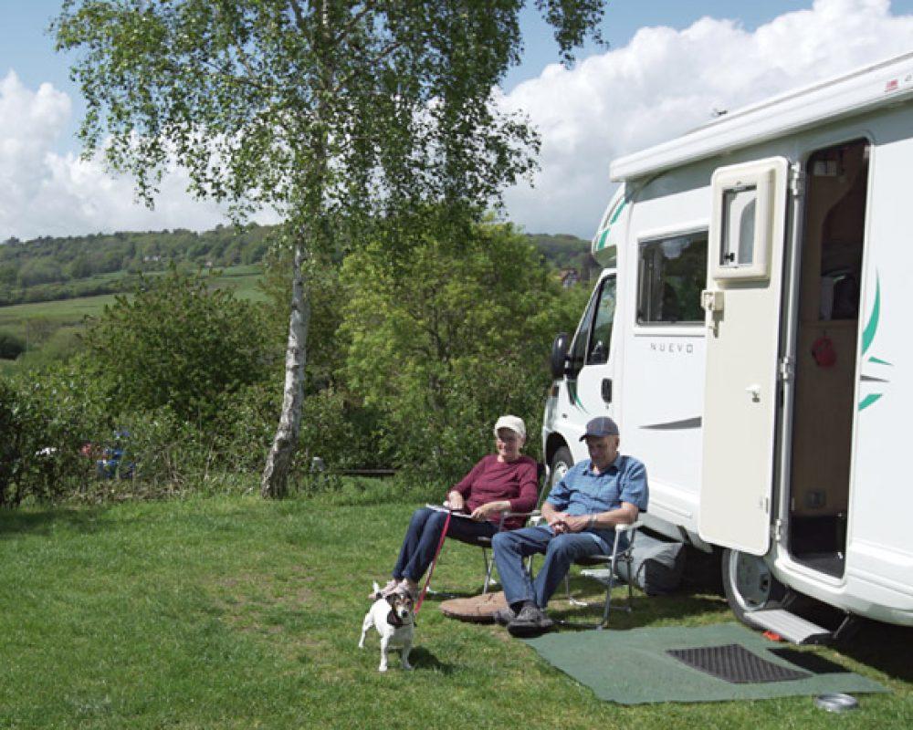 hook-farm-camp-site-motorhome-2-1