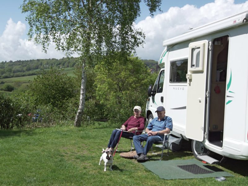 hook-farm-camp-site-motorhome-2-1